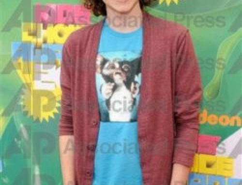 Client Mikey Reid on the orange carpet of the 2011 Kids Choice Award